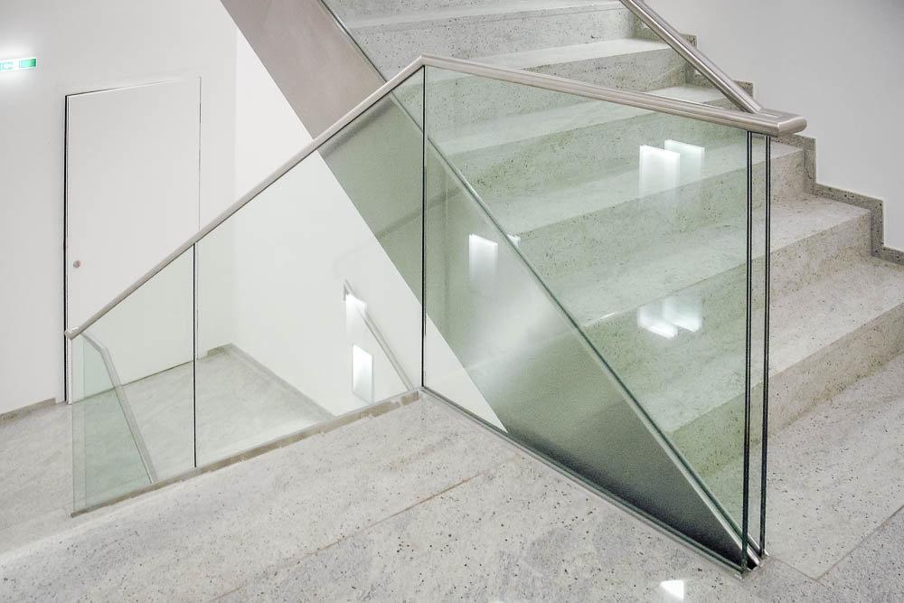 glas eingespannt-3803